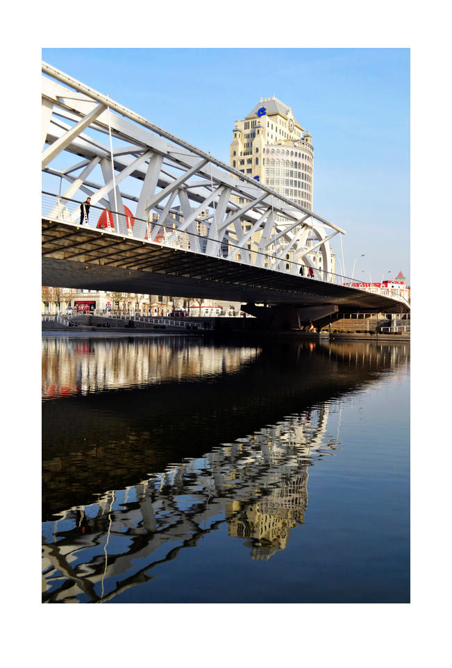 hfgl作品:新年扫街,进步桥