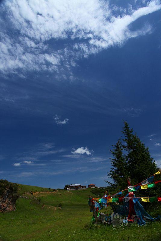 东力传动作品:郎木寺的天空