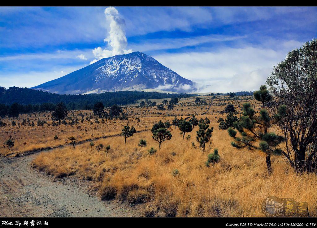 朝露烟雨作品:墨西哥Popocatépetl火山