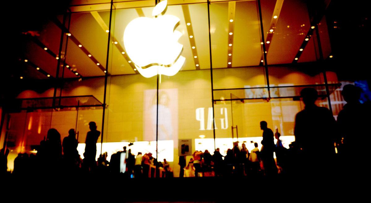 非常道人作品:上海iphone 4s苹果体验馆掠影