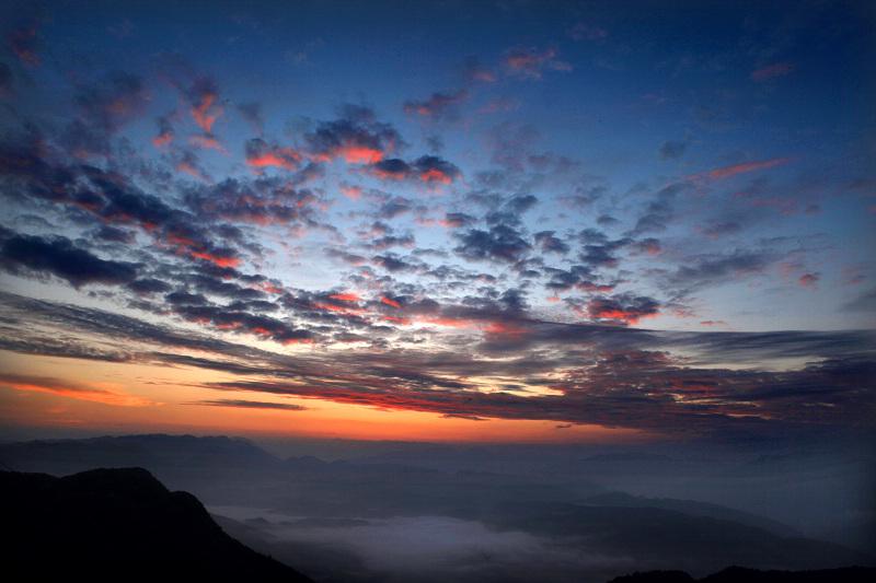 劲舞香溪作品:日出前