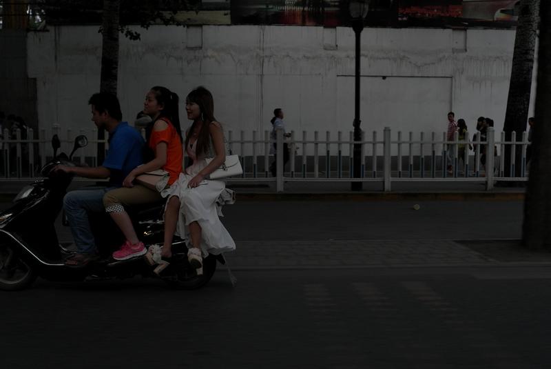 大俗大雅作品:街头抓拍