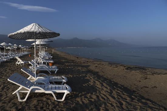君子兰作品:爱琴海的沙滩