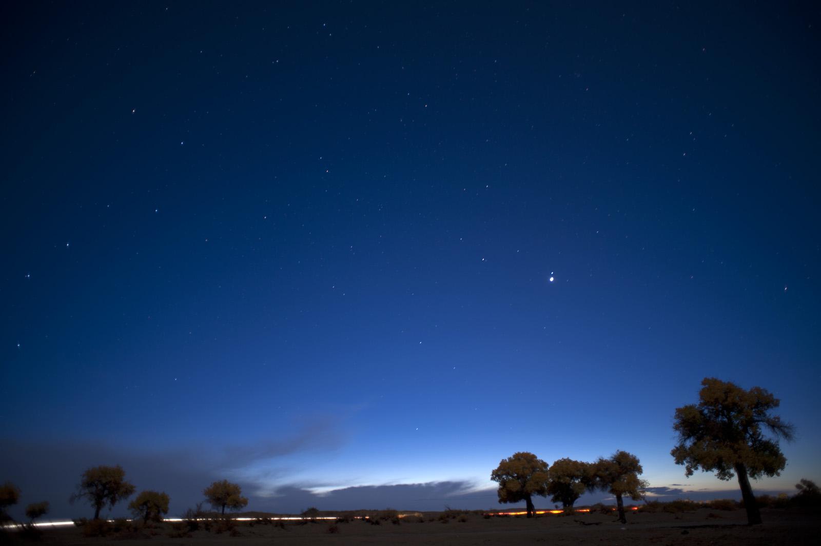 kxty作品:额济纳的夜空