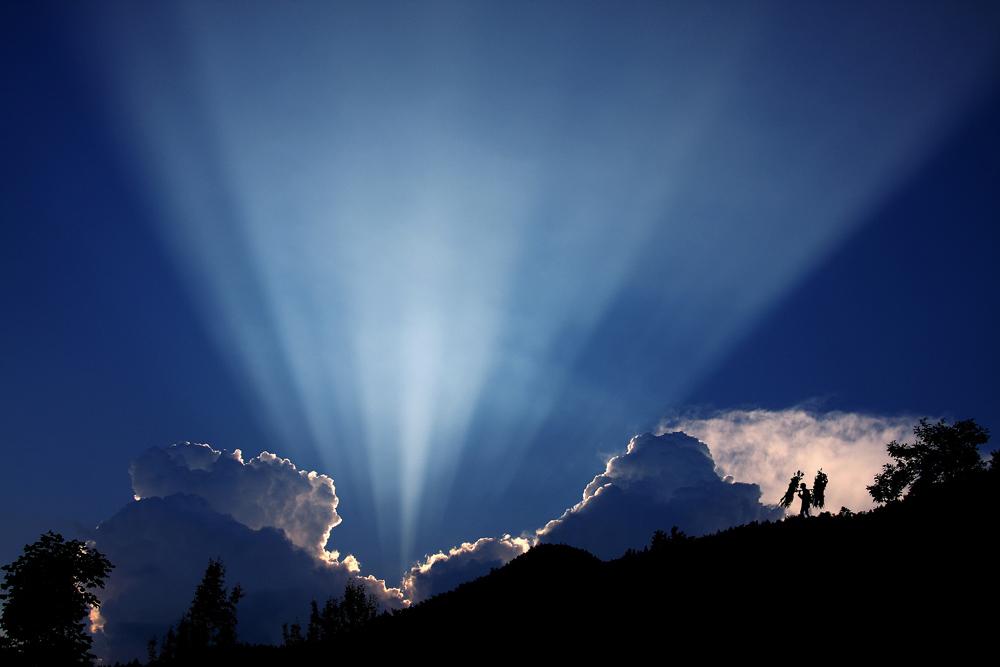 雷子1作品:地平线之光
