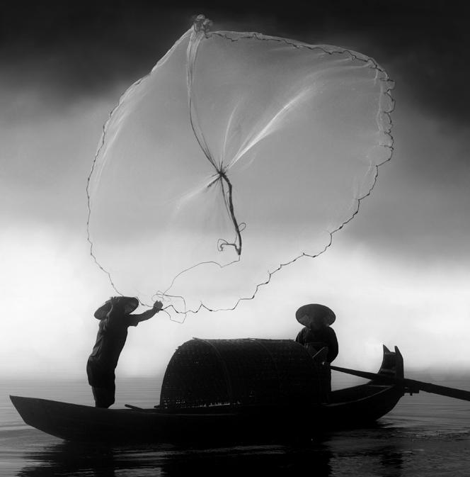 雷子1作品:渔舟惊影