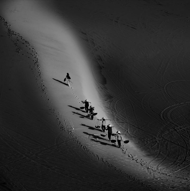 如风0758作品:沙滩倩影