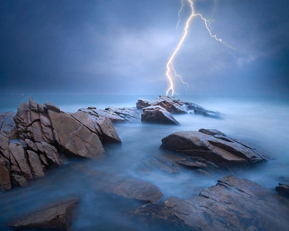 扬州影子作品:夜幕下的大海