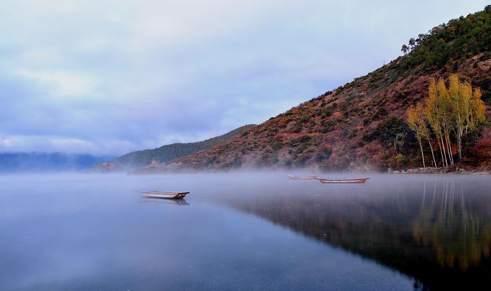 我馭風行作品:泸沽湖之晨
