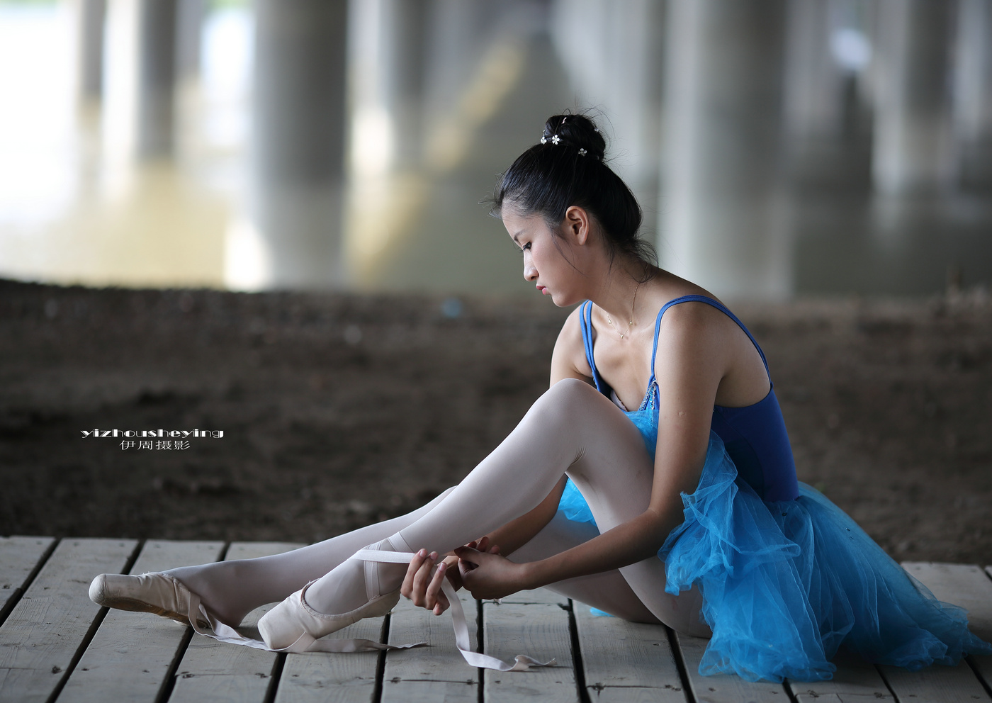 伊周作品:芭蕾女孩
