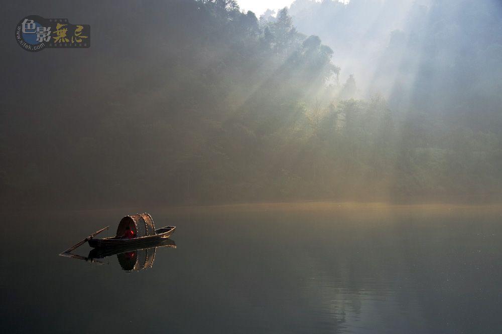 tassan作品:静静的湖面