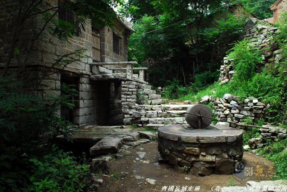 山东山作品:长城脚下我的家