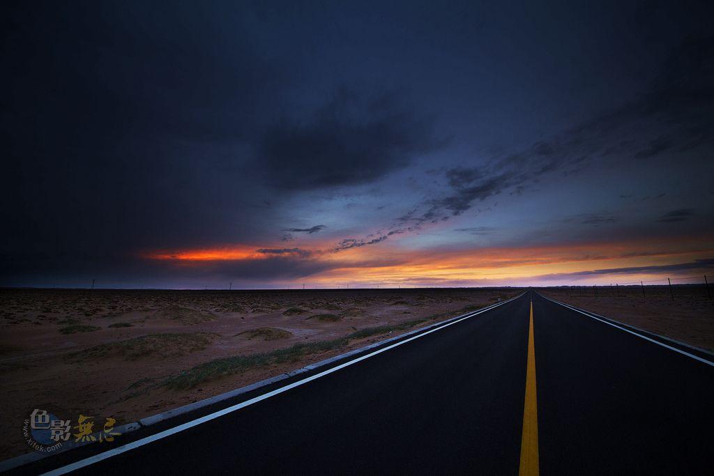 yuanfang0098作品:寂寞公路