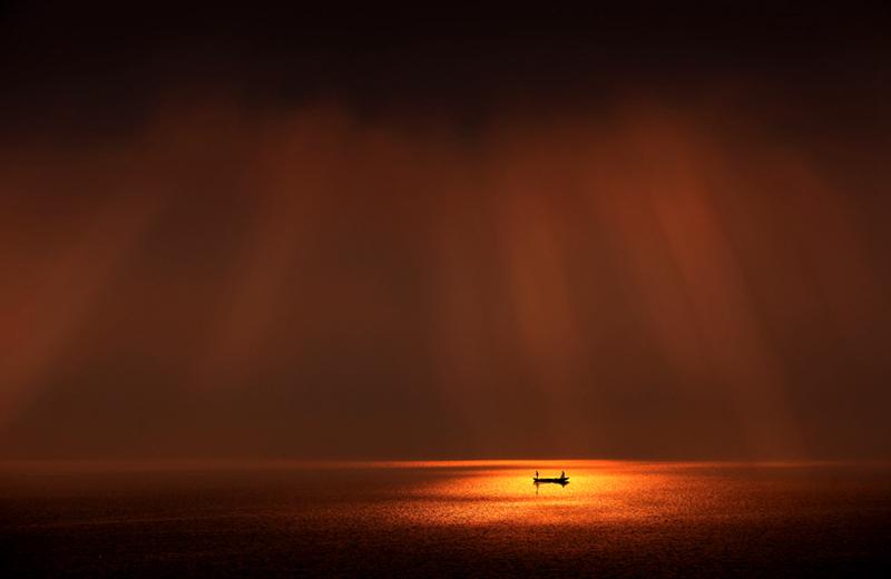 雷子1作品:暮色之舟