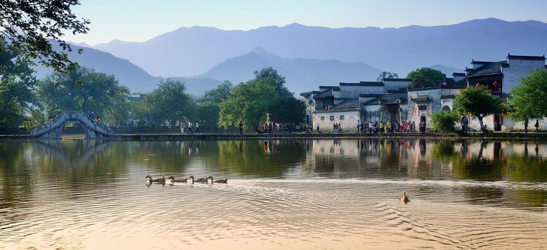 秋痕作品:宏村南湖