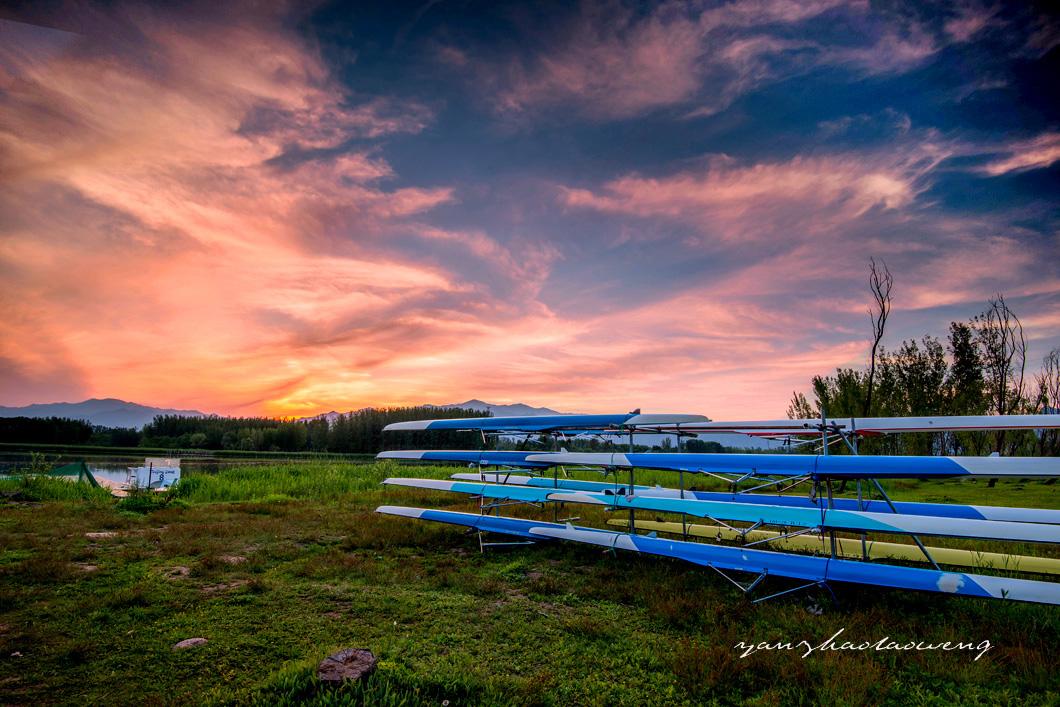 燕赵老翁作品:划艇训练基地的傍晚