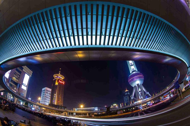 张世明作品:夜上海