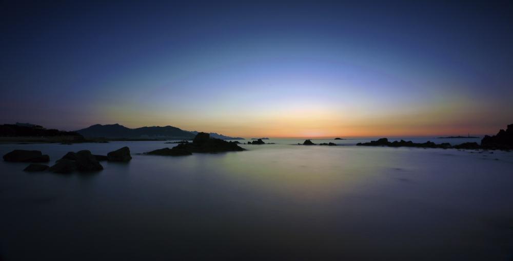 月色港湾作品:东海欲晓