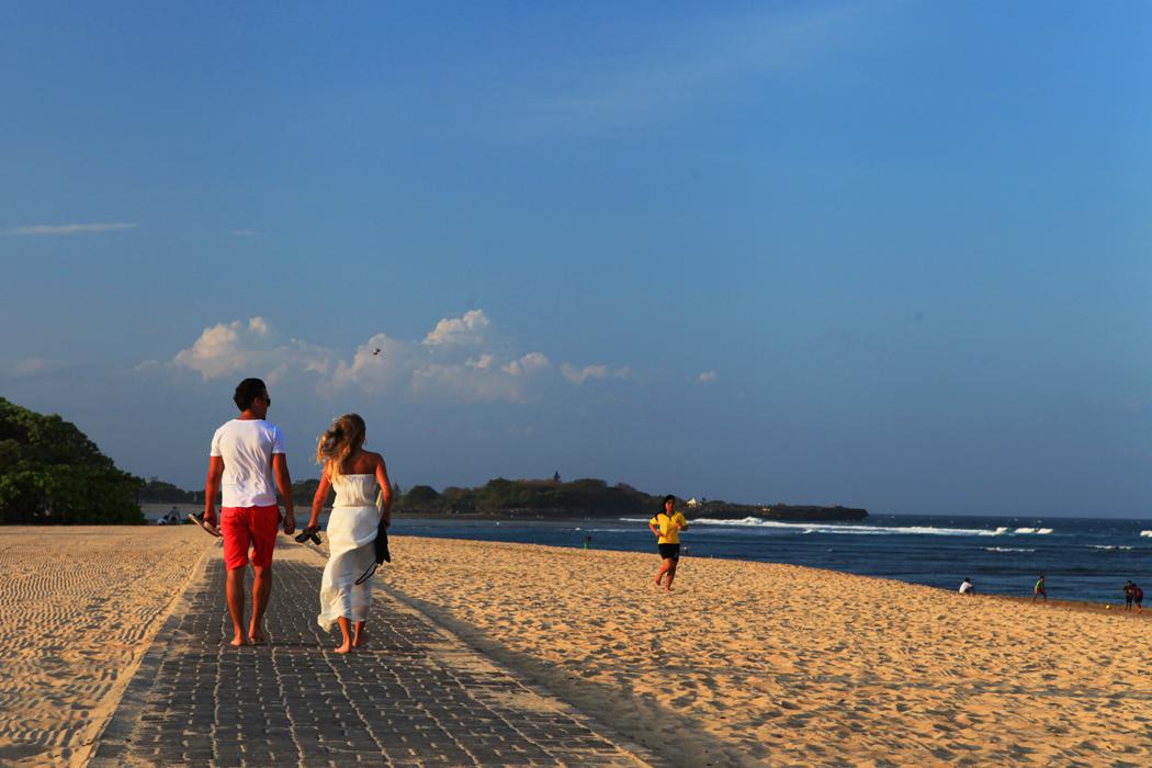 志在巅峰作品:假日海滩