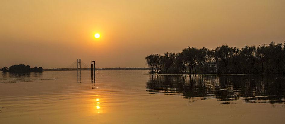 安宁视角作品:湖边夕阳