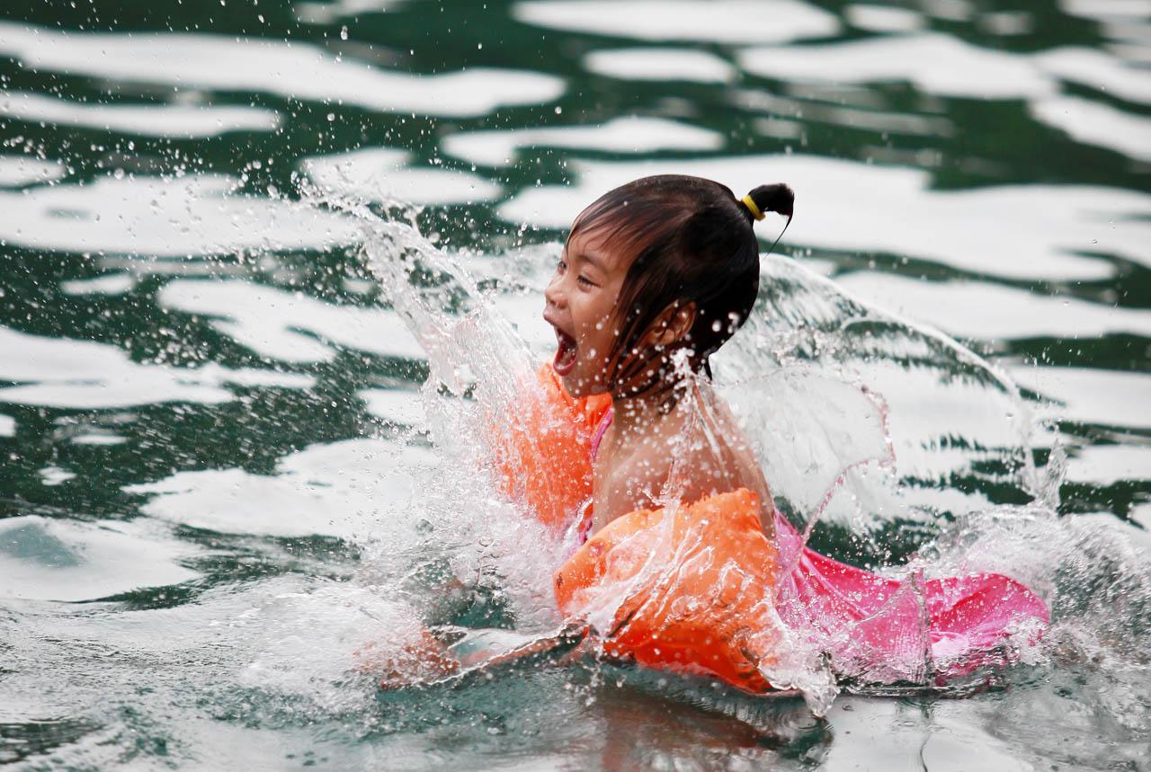 sunsaw作品:入水瞬间