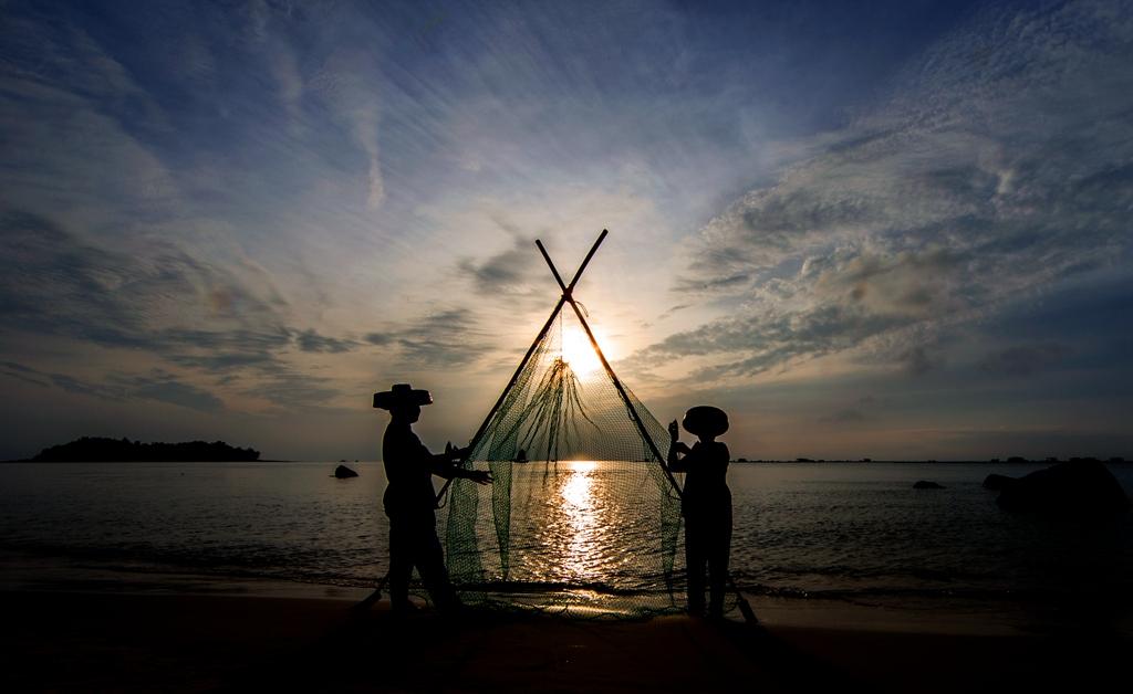 漆洁冰作品:渔网的故事