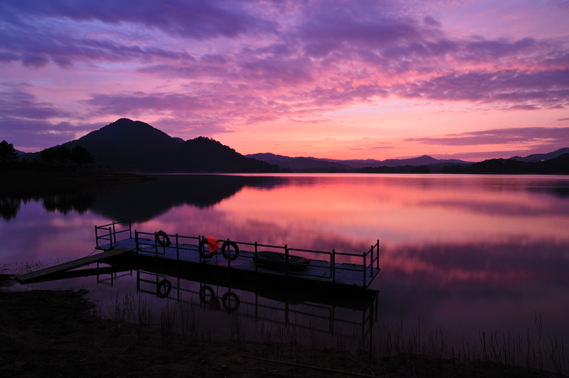 丹青刘作品:湖