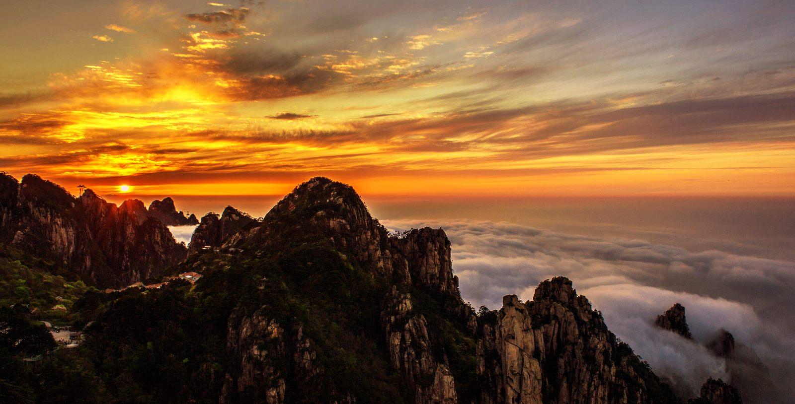 山海原野作品:黄山日落