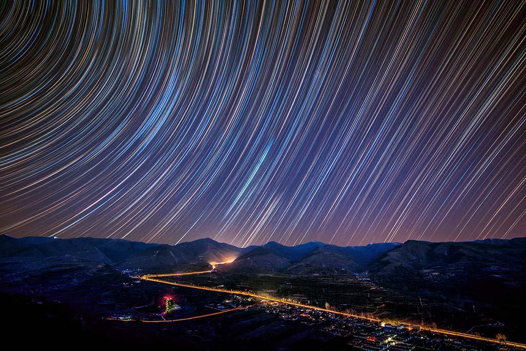青松s作品:六盘山下观星空