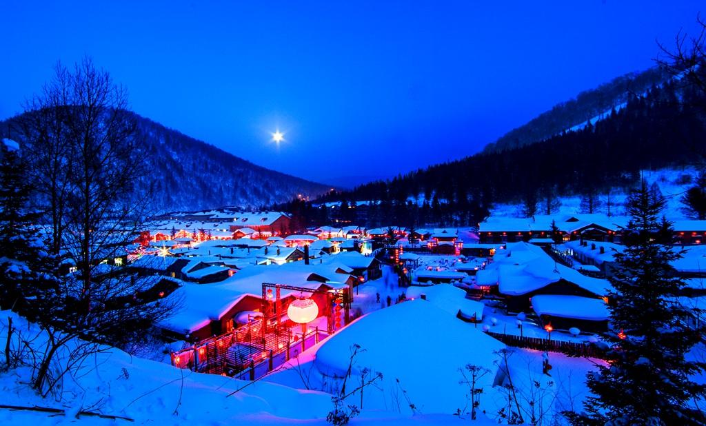 漆洁冰作品:雪乡的月光