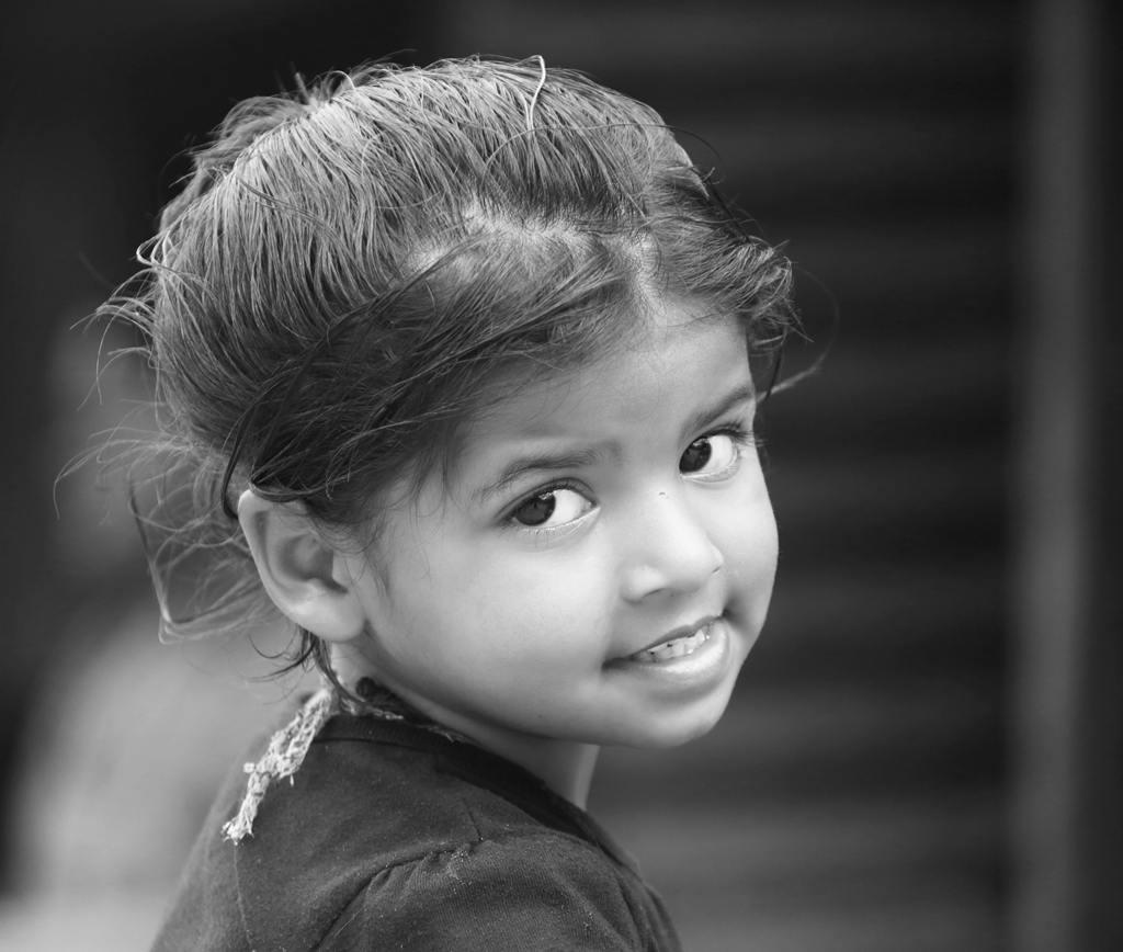 sdsulin作品:尼泊尔女孩