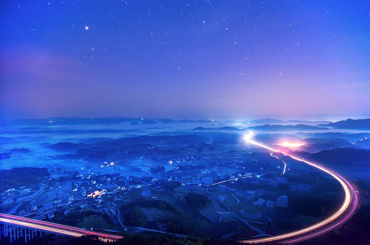 边城方雪作品:光影之路(