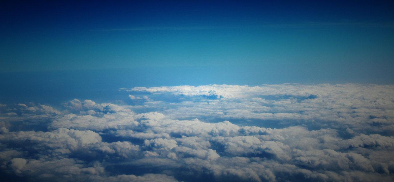 淮上人家作品:机翼下的云层(2)