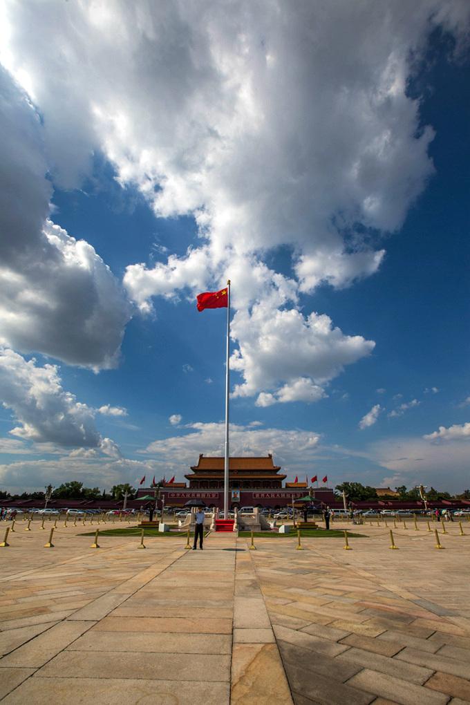 鲁北榕树作品:北京的蓝天