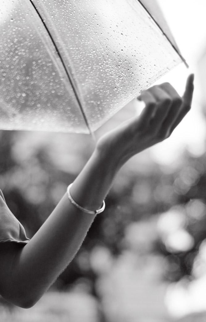 一色夫作品:细雨中的少女
