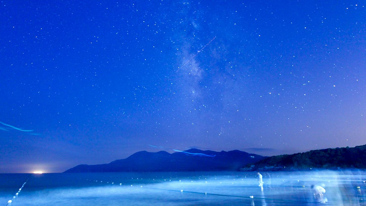漂白烏雲作品:藍蘭的海。藍蘭的天