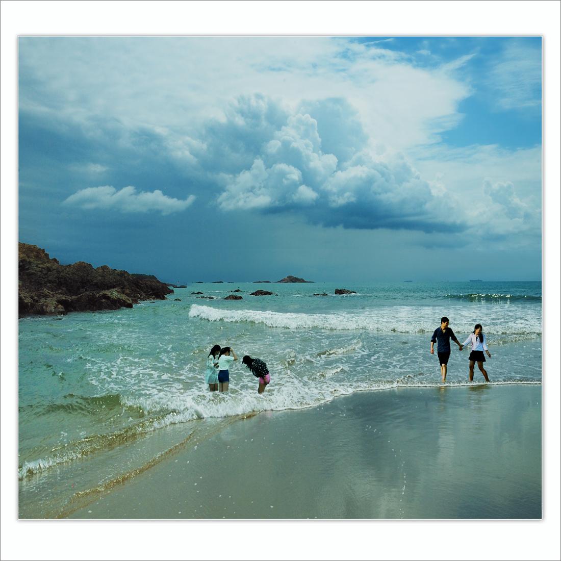 wsz作品:海滩戏浪......1