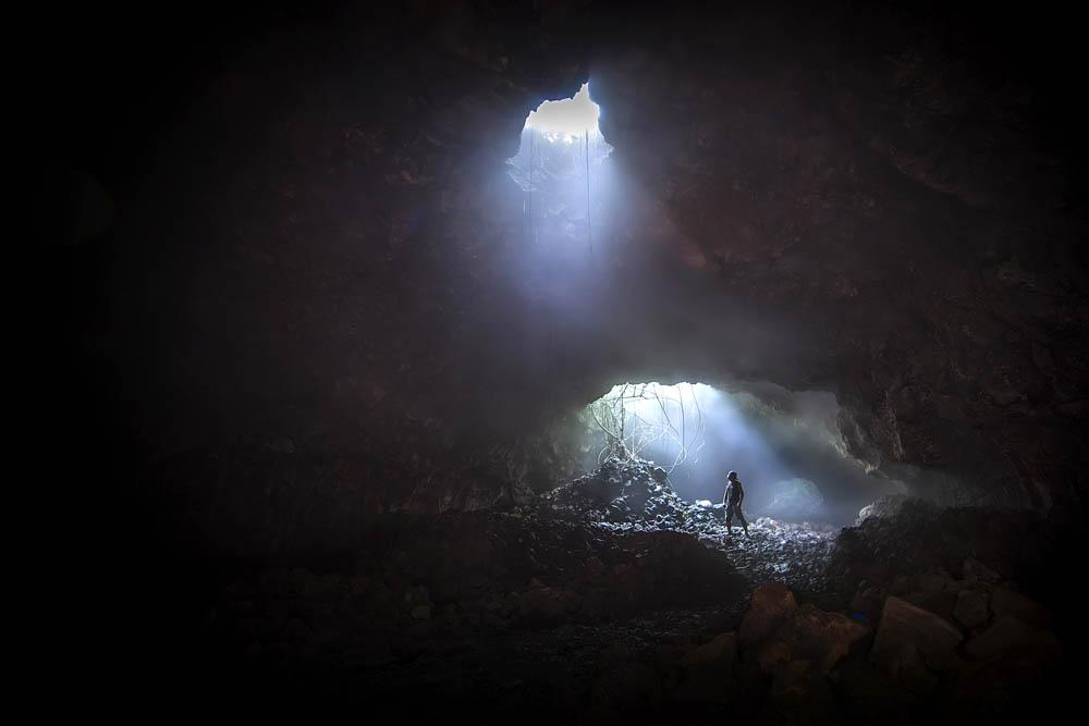 夜雾深沉作品:熔岩隧道传奇