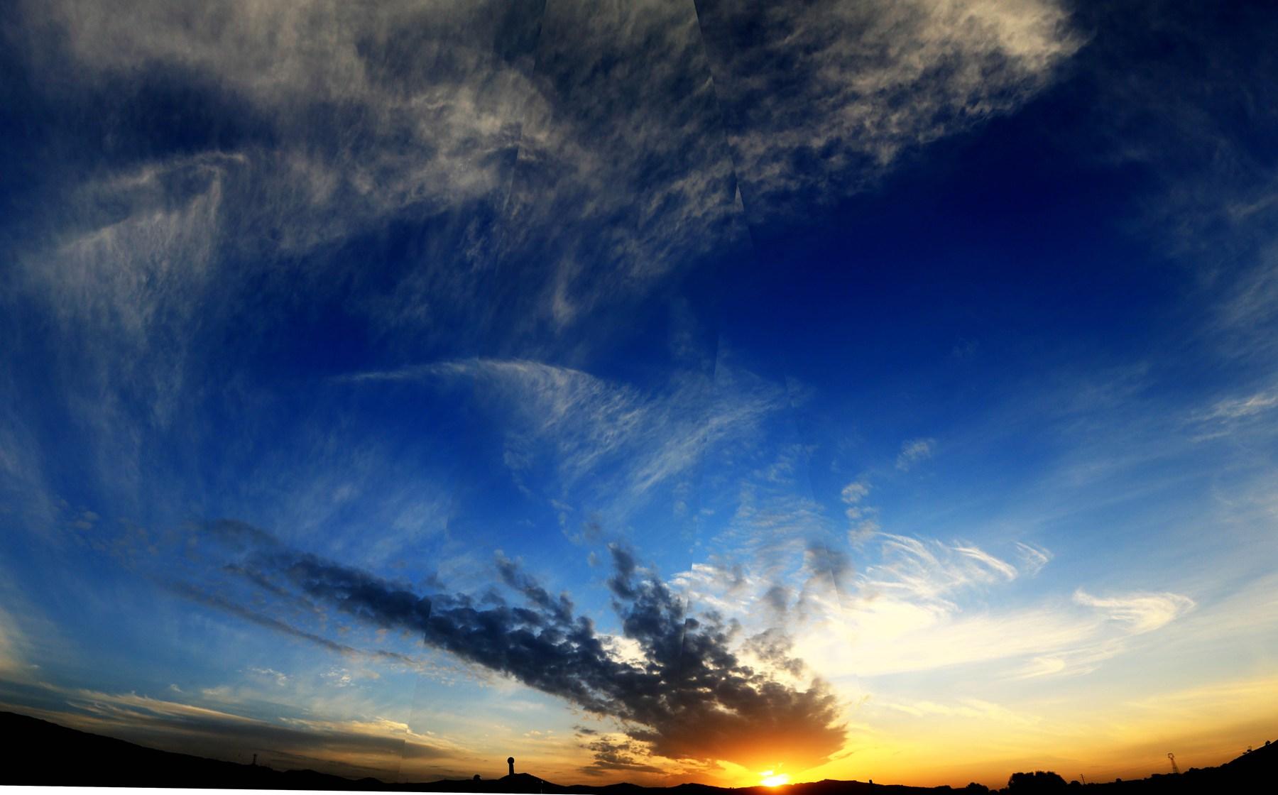 zxz0877作品:蓝天与夕阳