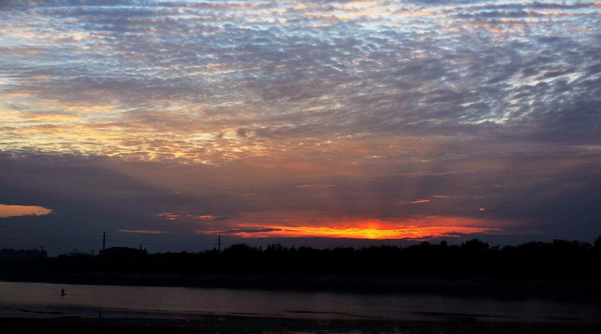 打一巴掌随上作品:夕阳红