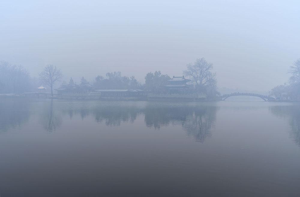 红枫99011作品:雾  霾