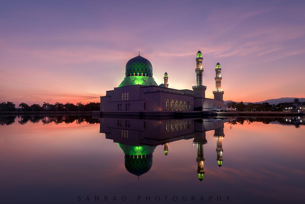 广州三宝作品:马来西亚水上清真寺