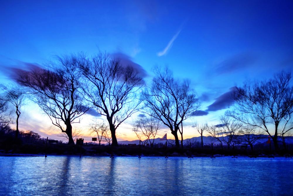IAMWHOIWAS作品:西堤冬夜