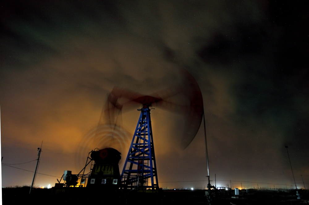 红色flamg作品:采油