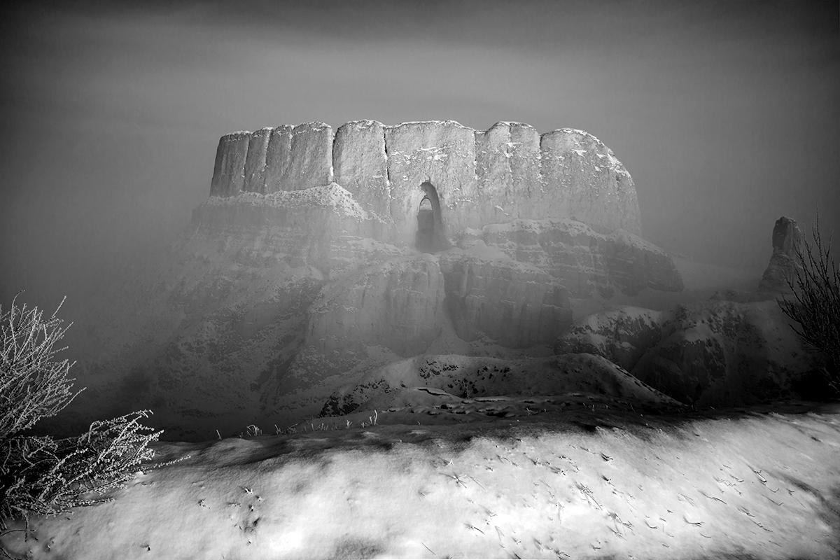 渔泊涯作品:雾里风光