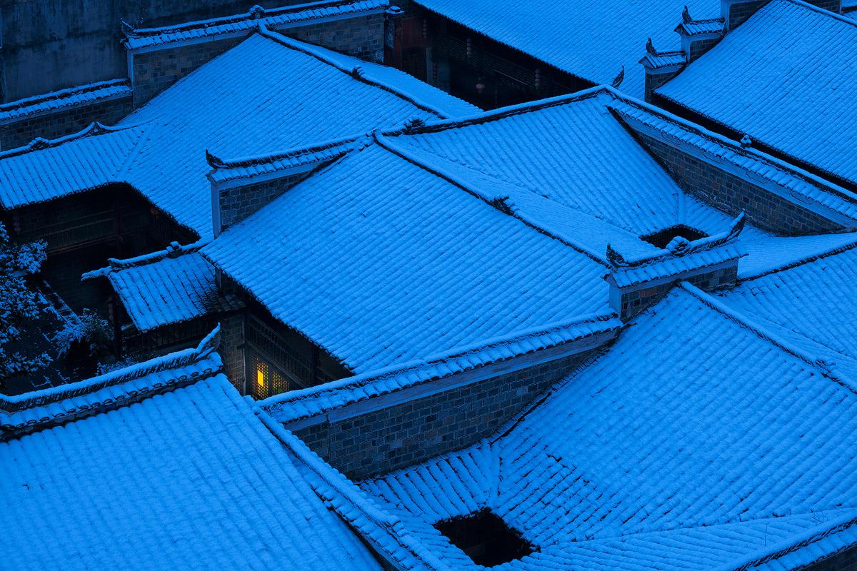边城方雪作品:雪夜总有人牵挂