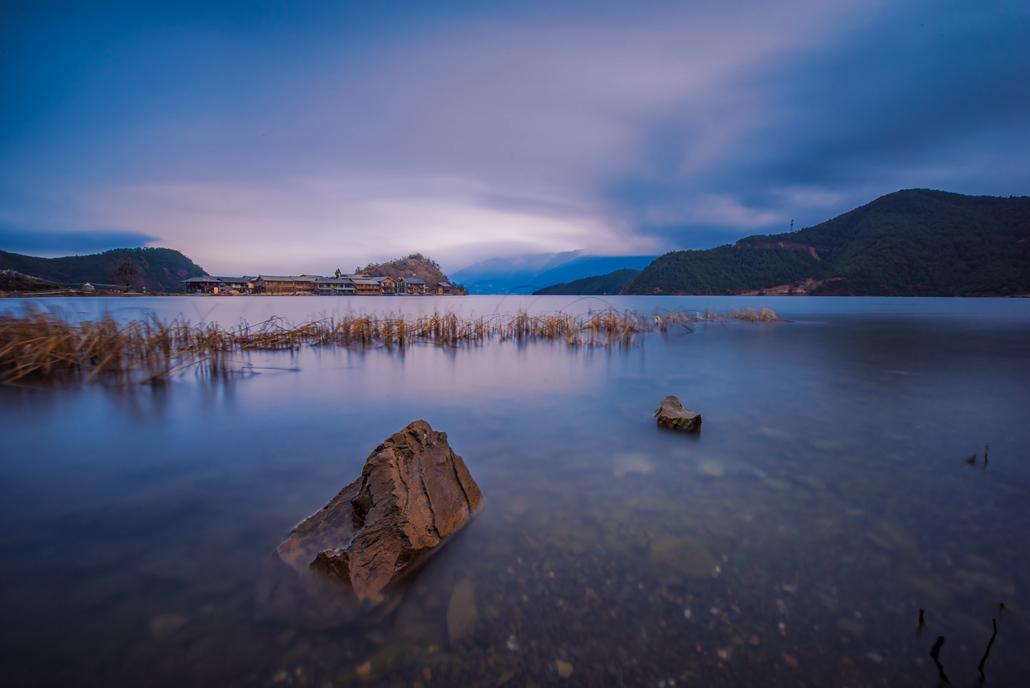 山川R作品:泸沽湖