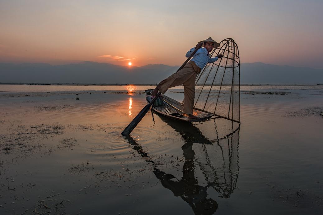 山川R作品:渔歌