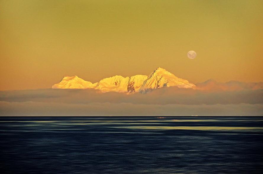 散淡居闲人作品:南极圣诞夜的海面