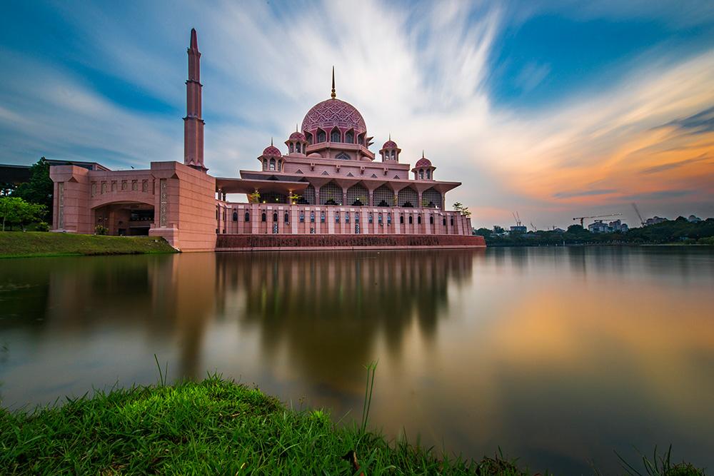 山川R作品:粉红色清真寺